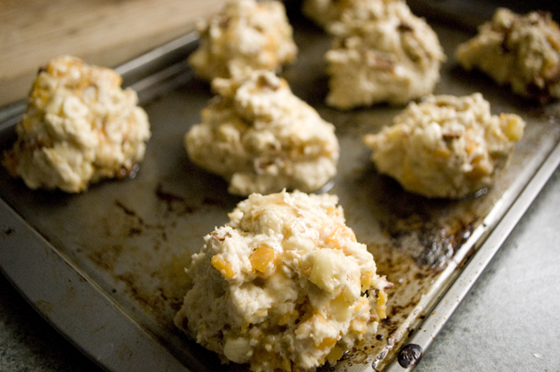 bacon-cheddar-drop-biscuits-pan